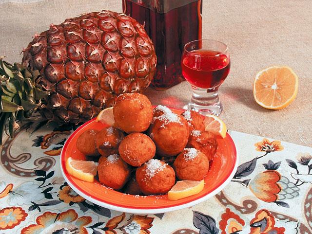Какое сладкое блюдо можно приготовить из ананаса.